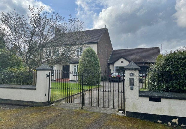 1a Malone Park Central, Belfast, County Antrim, BT9 6NP